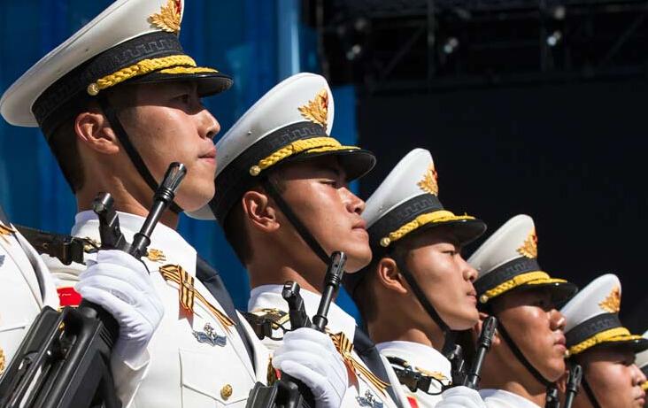 北京阅兵式酝酿三件大
